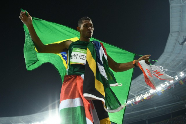 Wayde van Niekerk... (Photo Johannes EISELE, archives AFP)