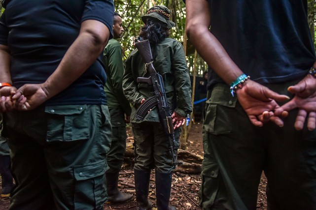 Le conflit armé colombien a impliqué une trentaine... (Photo  Luis Acosta, archives AFP)