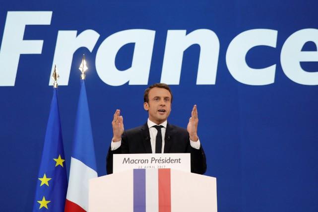Jamais élu, Emmanuel Macron est en bonne position... (PHOTO REUTERS)