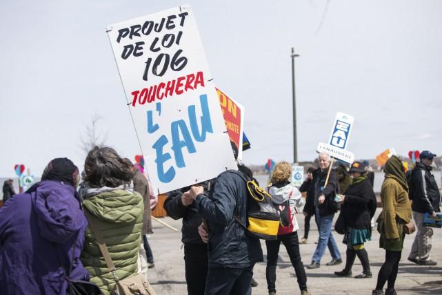 Quelques centaines de personnes ont participé au rassemblement... (Olivier Croteau)