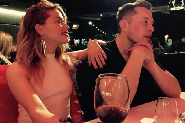 Elon Musk et Amber Heard ont tous les...