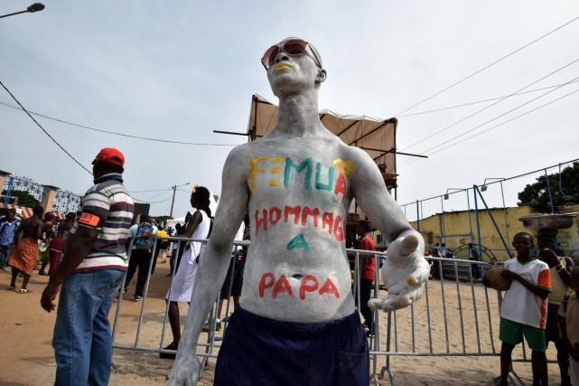 La cérémonie s'est achevée par un défilé des... (PHOTO AFP)