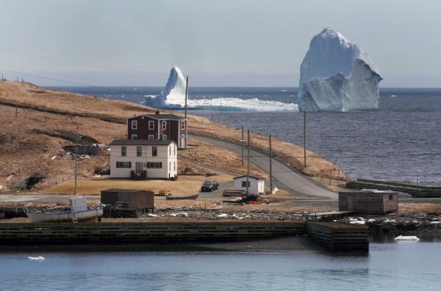 Les courants océaniques semblent chasser le colossal iceberg... (La Presse canadienne, Paul Daly)