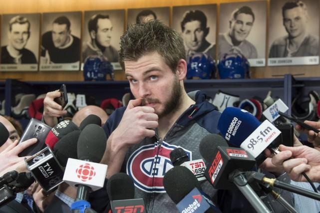 Pressé de questions par les journalistes, Alex Galchenyuk... (La Presse canadienne, Paul Chiasson)