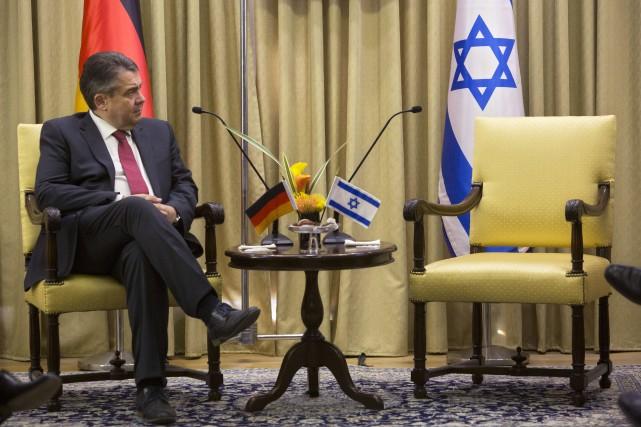 Le chef de la diplomatie allemande Sigmar Gabriel.... (PHOTO AP)
