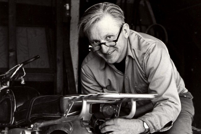 Robert Pirsig en 1975... (Photo William Morrow, archives via AP)