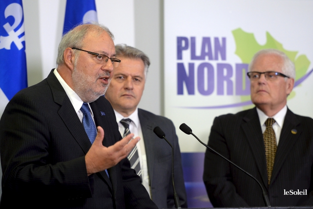 Les ministres Pierre Arcand et Laurent Lessard ont... (Le Soleil, Erick Labbé)