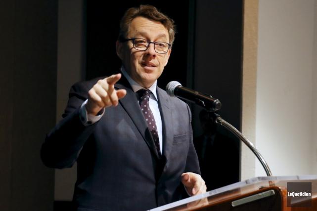 Le ministre délégué aux Affaires maritimes, Jean D'Amour,... (Photo Le Quotidien, Yohann Gasse)