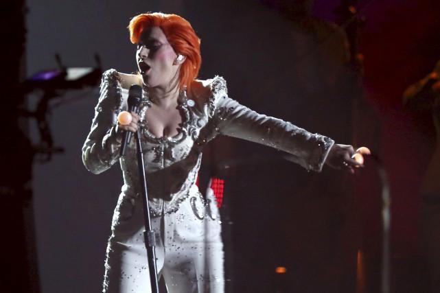 Lady Gaga a offert une performance électrisante en... (AP, Matt Sayles)