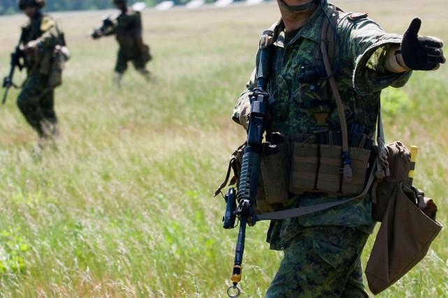 La police militaire mène l'enquête dans cette affaire.... (PHOTO ARCHIVES REUTERS)