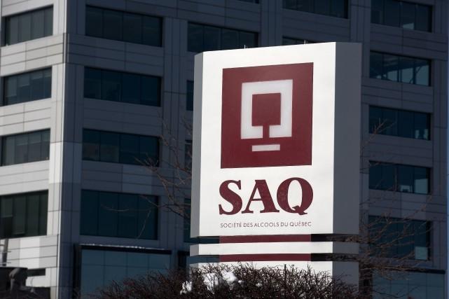 Les sociétés d'État comme la SAQ sont maintenant... (PHOTO OLIVIER PONTBRIAND, ARCHIVES LA PRESSE)