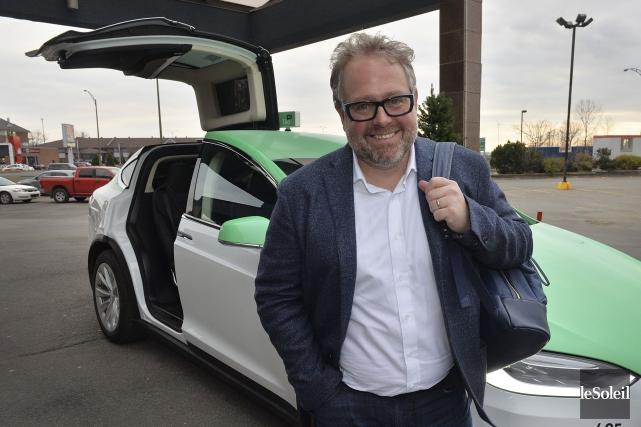 Alexandre Taillefer maintient son intention d'implanter Téo Taxi... (Photothèque Le Soleil, Patrice Laroche)