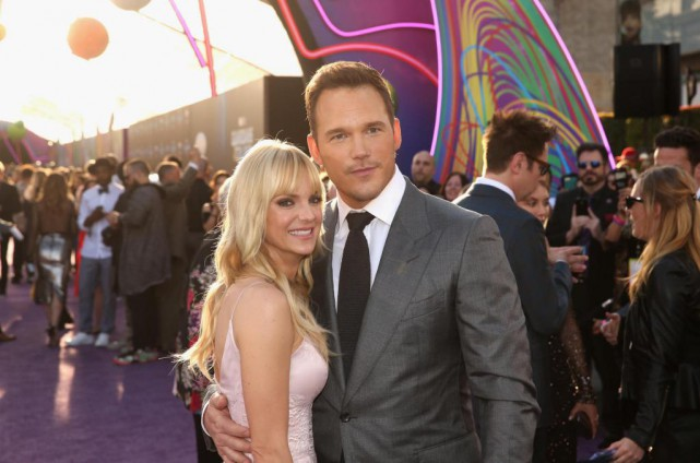 Chris Pratt et sa femme Anna Faris à la... (PHOTO FOURNIE PAR DISNEY)