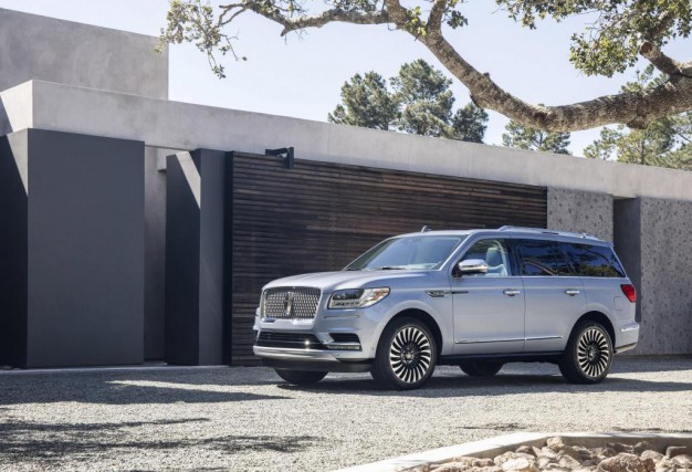 Le Lincoln Navigator 2018.... (Photo : Ford)