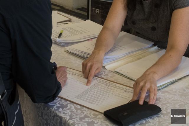C'est la dernière journée, jeudi, pour signer le... (François Gervais, Le Nouvelliste)