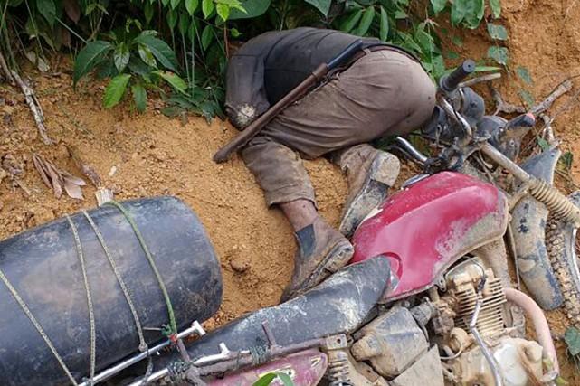 Neuf paysans brésiliens ont été tués dans le... (AFP/Popular de Colniza)