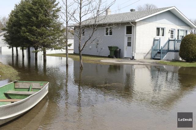 La crue de la rivière Petite-Nation a causé... (Patrick Woodbury, Le Droit)