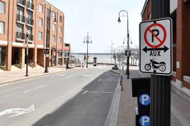 La signalisation interdisant les motos sur une portion... (Stéphane Lessard, Le Nouvelliste)