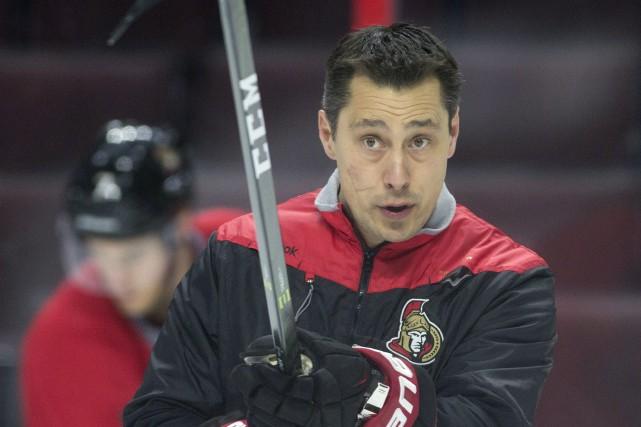 L'entraîneur-chef des Sénateurs d'Ottawa, Guy Boucher,aime bien diriger... (Photo Adrian Wyld, PC)