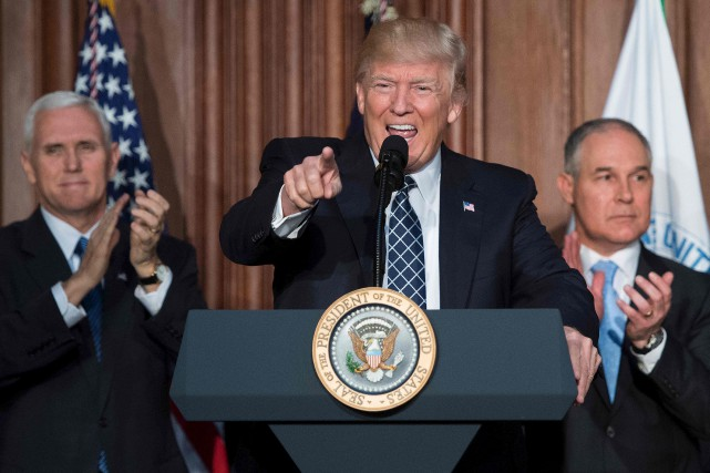 Donald Trump a affirmé jeudi qu'il était prêt... (AFP, Jim Watson)