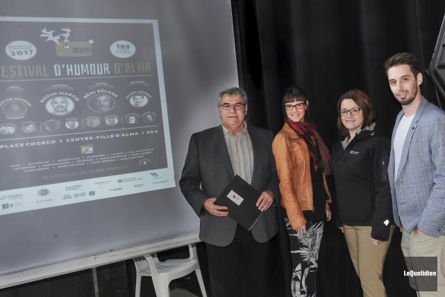 Le maire d'Alma, Marc Asselin, accompagnait les organisateurs... (Photo Le Quotidien, Gimmy Desbiens)