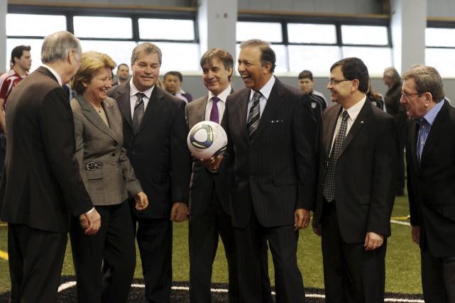 Sam Hamad lors de l'inauguration du stade de... (Photothèque Le Soleil, Erick Labbé)