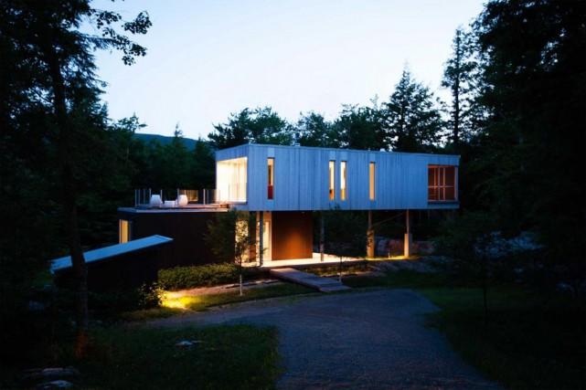 L'architecte a conçu une demeure qui tiendrait compte... (Photo fournie par Claude Dagenais et Alain Laforest)