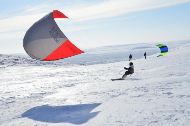 Faire du «kiteski» en plein coeur de la... (Photo Guillaume Roy, collaboration spéciale)