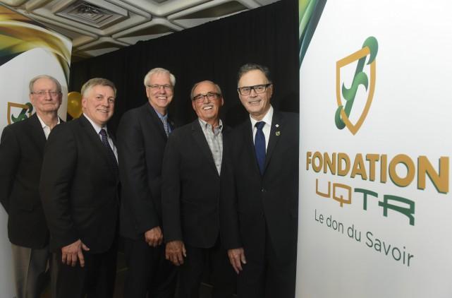 De gauche à droite: Jean-Pierre Lavigne, premier directeur... (François Gervais)