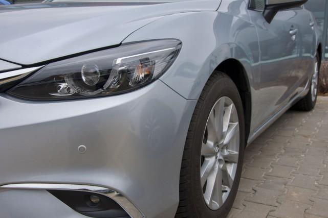 CHRONIQUE / Acheter ou louer une automobile neuve? Acheter une automobile... (Photo 123rf)