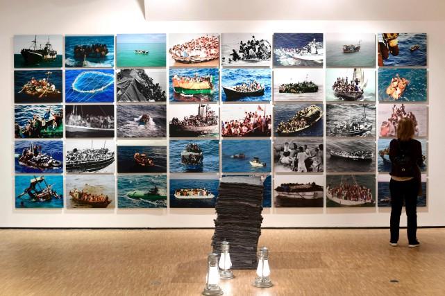 L'oeuvre Superunknown,de l'artiste américain Xaviera Simmons, présentée à... (AFP, Miguel Medina)