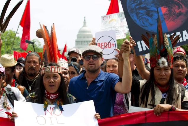 L'acteur Leonardo DiCaprio a pris part au défilé... (AFP, Jose Luis Magana)