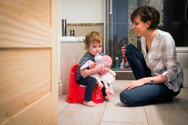 La petiteLaurie-Ann, 22 mois, apprend tranquillement la propreté.... (PHOTO OLIVIER JEAN, LA PRESSE)