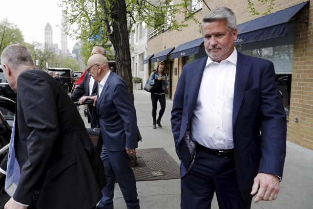 Bill Shine (à droite) était devenu coprésident de... (AP, Mark Lennihan)