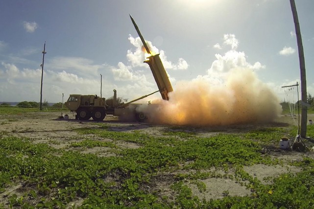 Le système THAAD tire des missiles conçus pour... (photo Ben Listerman, AFP)