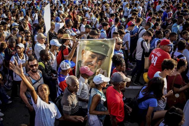 Des millions de personnes ont participé lundi au... (AFP, Adalberto Roque)