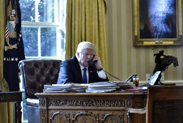 Donald Trumpa rapidement réagi à l'annonce des départs... (Archives AFP)