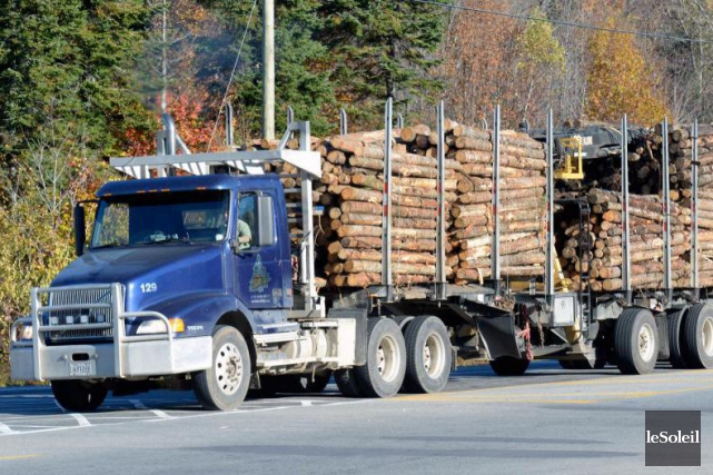 Les expéditions de bois vers les États-Unis ont... (photo jean-marie villeneuve, archives le soleil)