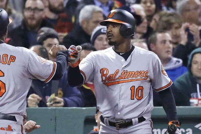 Le voltigeur des Orioles de Baltimore, Adam Jones,... (Charles Krupa, Associated Press)