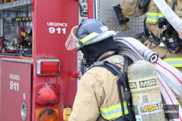 La Sûreté du Québec enquête sur un incendie d'origine suspecte qui a lourdement... (archives La Voix de l'Est)