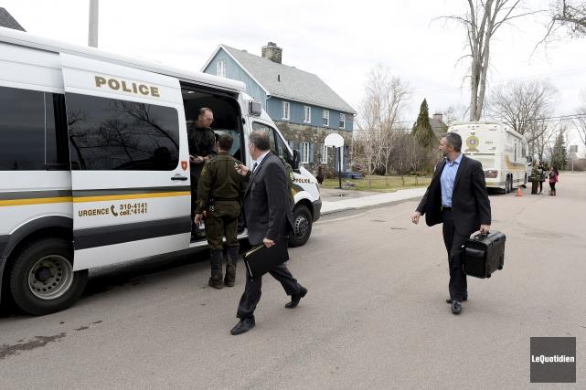 Toute la journée, mardi, de nombreux effectifs policiers... (Photo Le Quotidien, Jeannot Lévesque)
