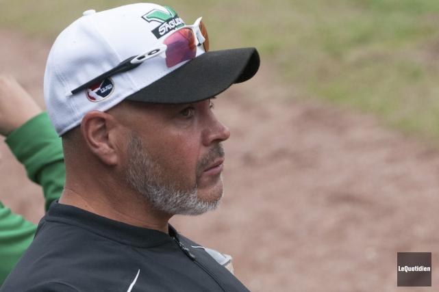 L'entraîneur des Voyageurs, Martin Pouliot.... (Archives Le Quotidien, Michel Tremblay)