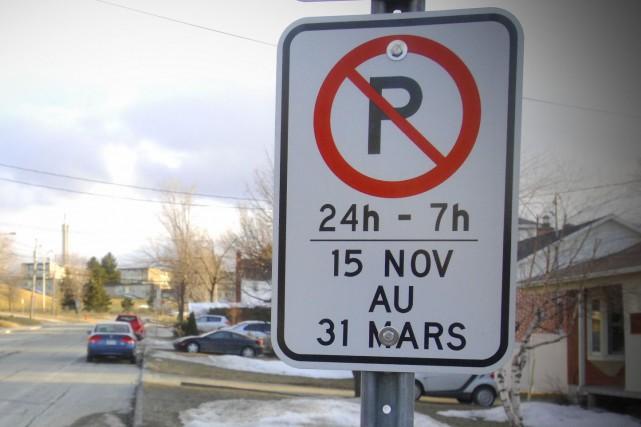 Sherbrooke,Québec. Stationnement restreint dans les environs du campus... (Imacom : Christian Landry)