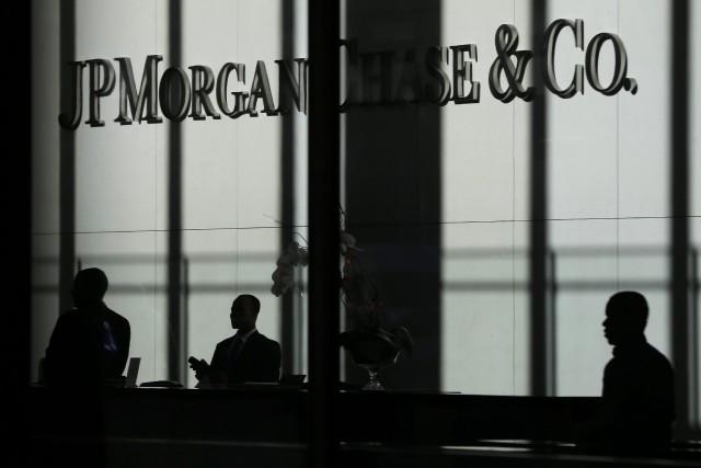 Jusqu'à présent, le PDG de JPMorgan, Jamie Dimon,... (AP)