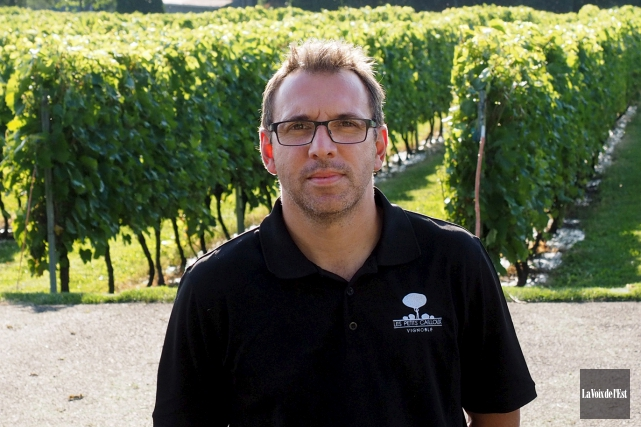 Martin Lavertu, propriétaire du vignoble Les Petits Cailloux,... (archives La Voix de l'Est)
