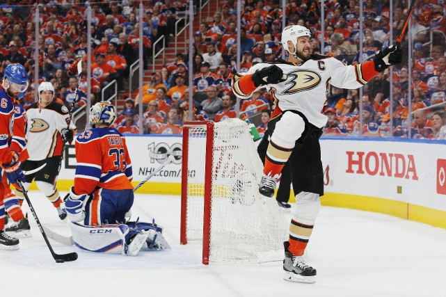 Ryan Getzlaf (15)... (Photo Perry Nelson, USA Today Sports)
