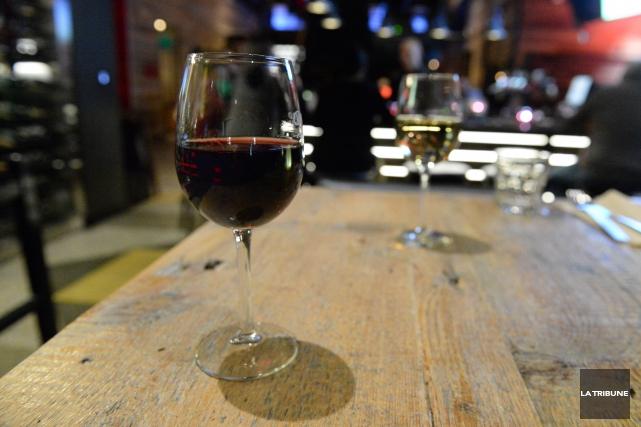 CHRONIQUE / Difficile de lire une étiquette de vin espagnol? Encore peut-on... (Archives La Tribune)