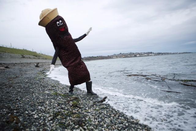 Tout brun et mesurant plus de six pieds,... (La Presse canadienne, Chad Hipolito)
