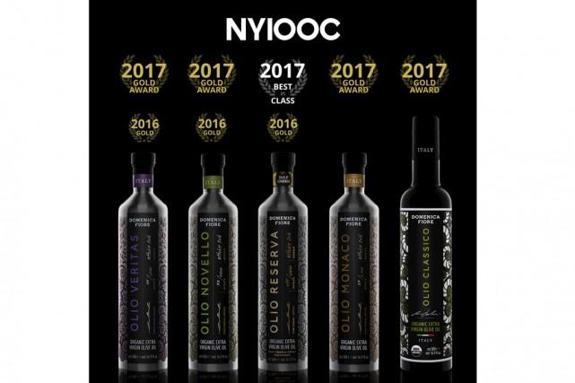 Cinq produits des huiles d'olive biologiques de la... (fournie)