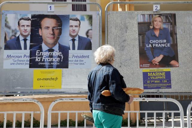 La campagne électoral française s'achèvera officiellement vendredi soir... (PHOTO Eric Gaillard, REUTERS)